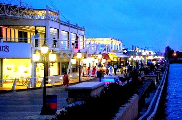 Port Grand Food Street Karachi Pics